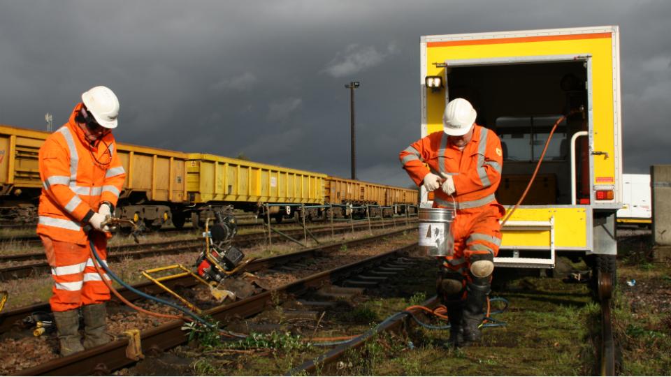 Welding R2R 4x4 on site